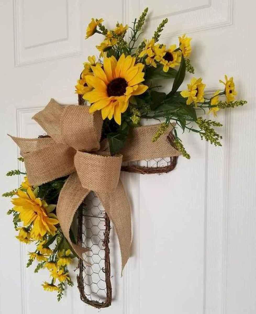 60 Beautiful Front Door Summer Wreath Decor Ideas (12)