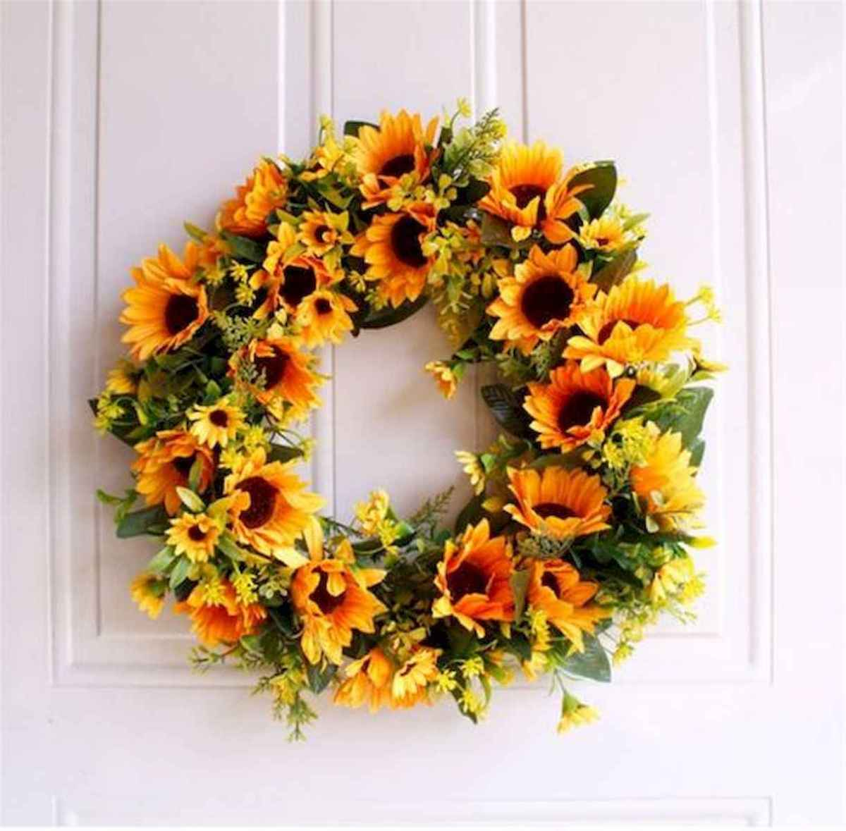 60 Beautiful Front Door Summer Wreath Decor Ideas (16)