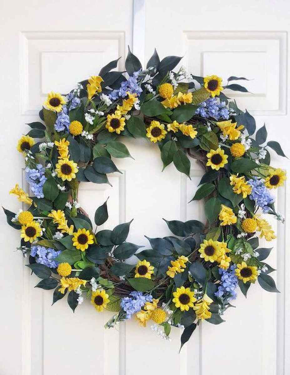 60 Beautiful Front Door Summer Wreath Decor Ideas (33)
