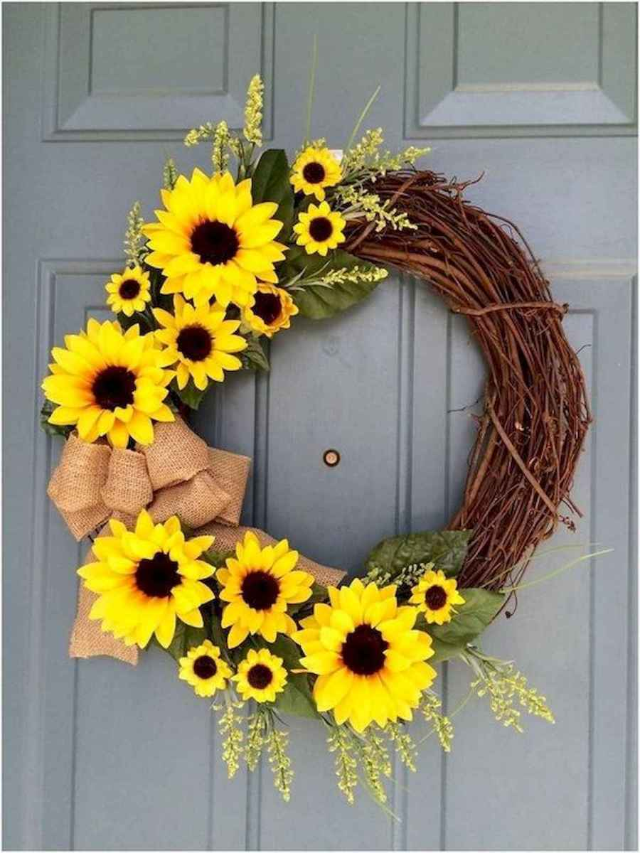 60 Beautiful Front Door Summer Wreath Decor Ideas (4)