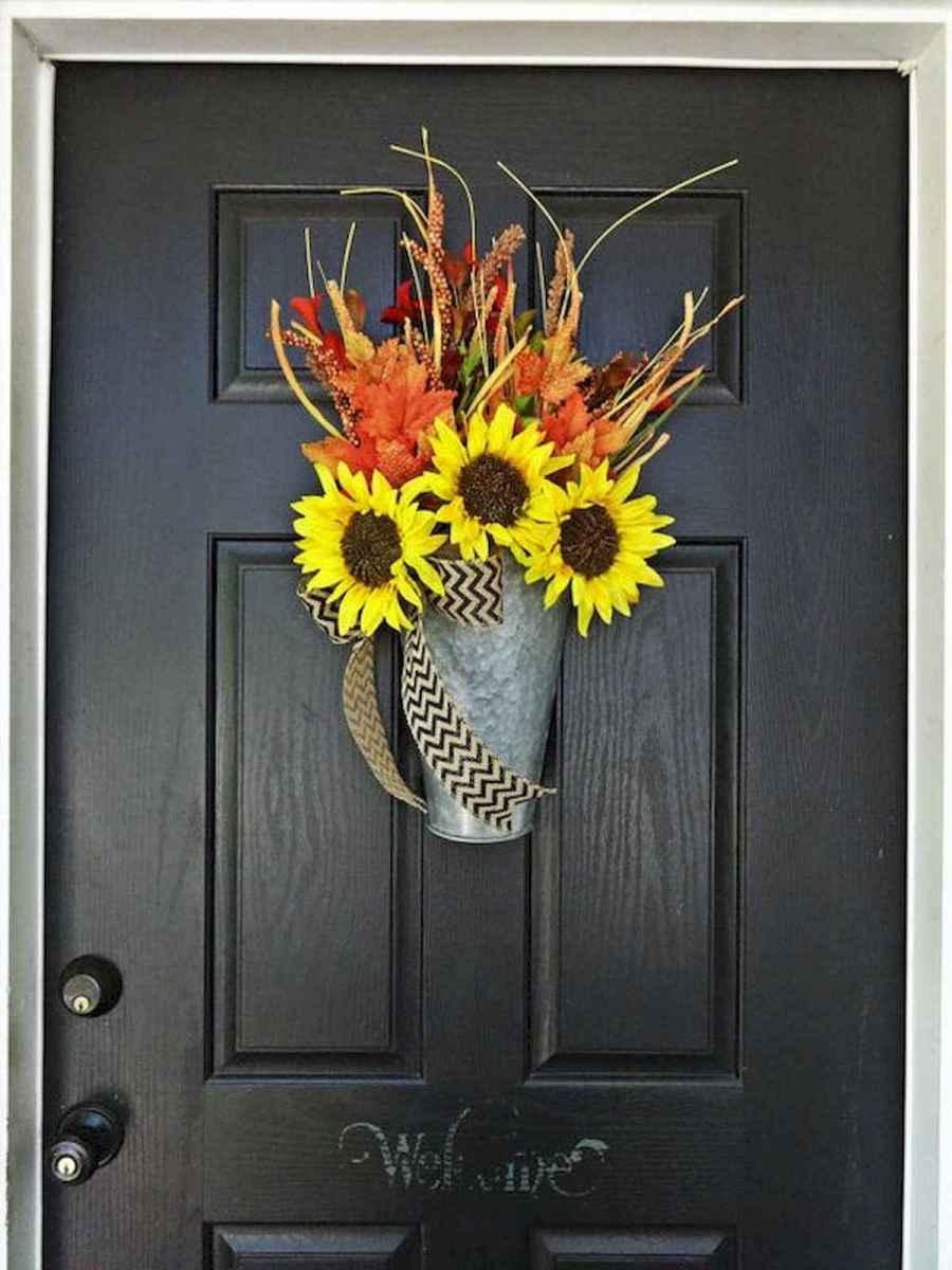 60 Beautiful Front Door Summer Wreath Decor Ideas (42)