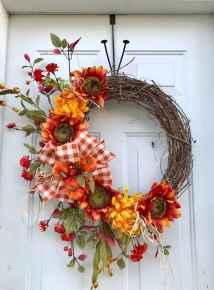 60 Beautiful Front Door Summer Wreath Decor Ideas (5)