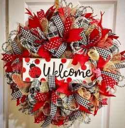 60 Beautiful Front Door Summer Wreath Decor Ideas (63)