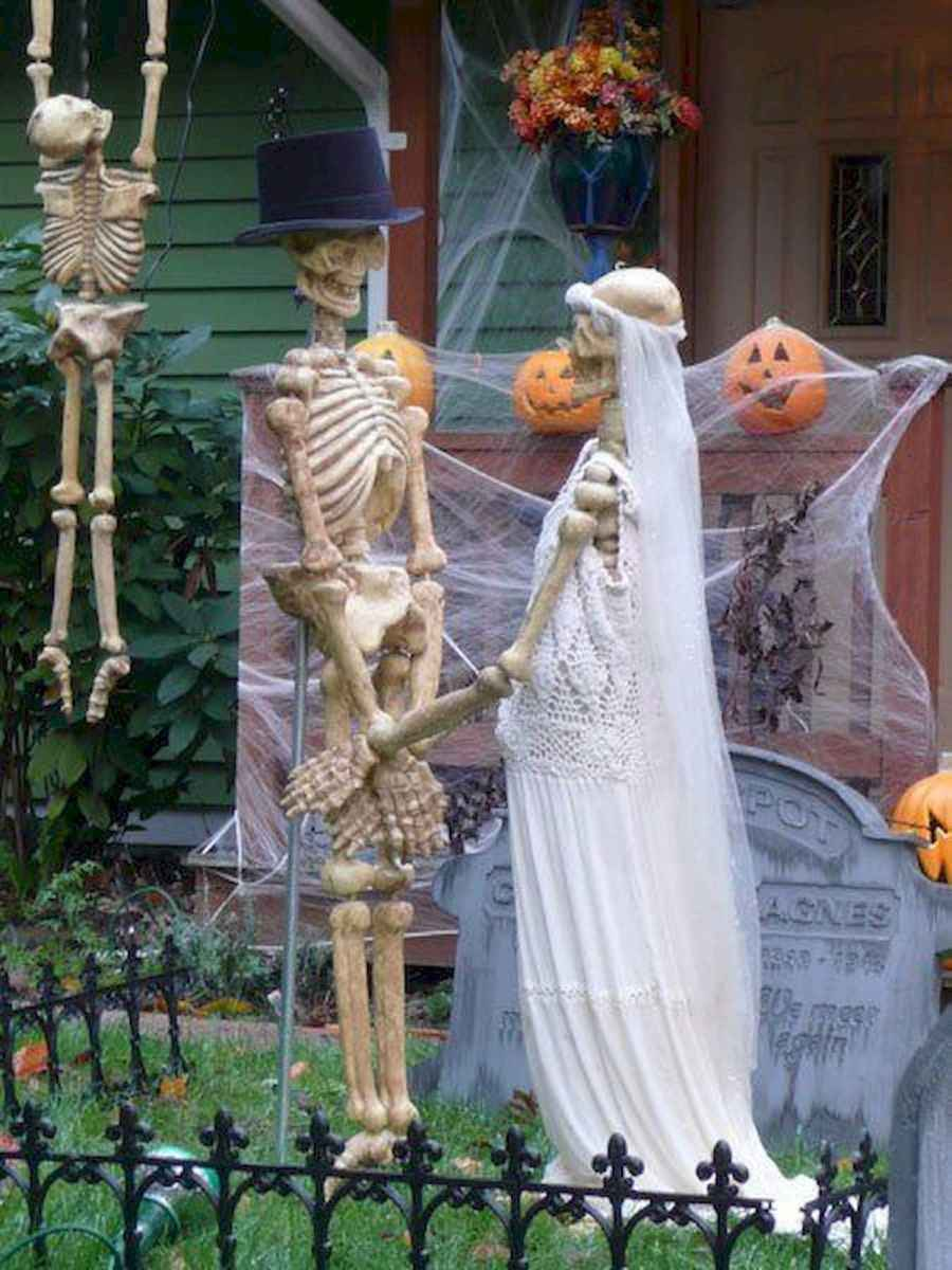 90 Awesome DIY Halloween Decorations Ideas (1)