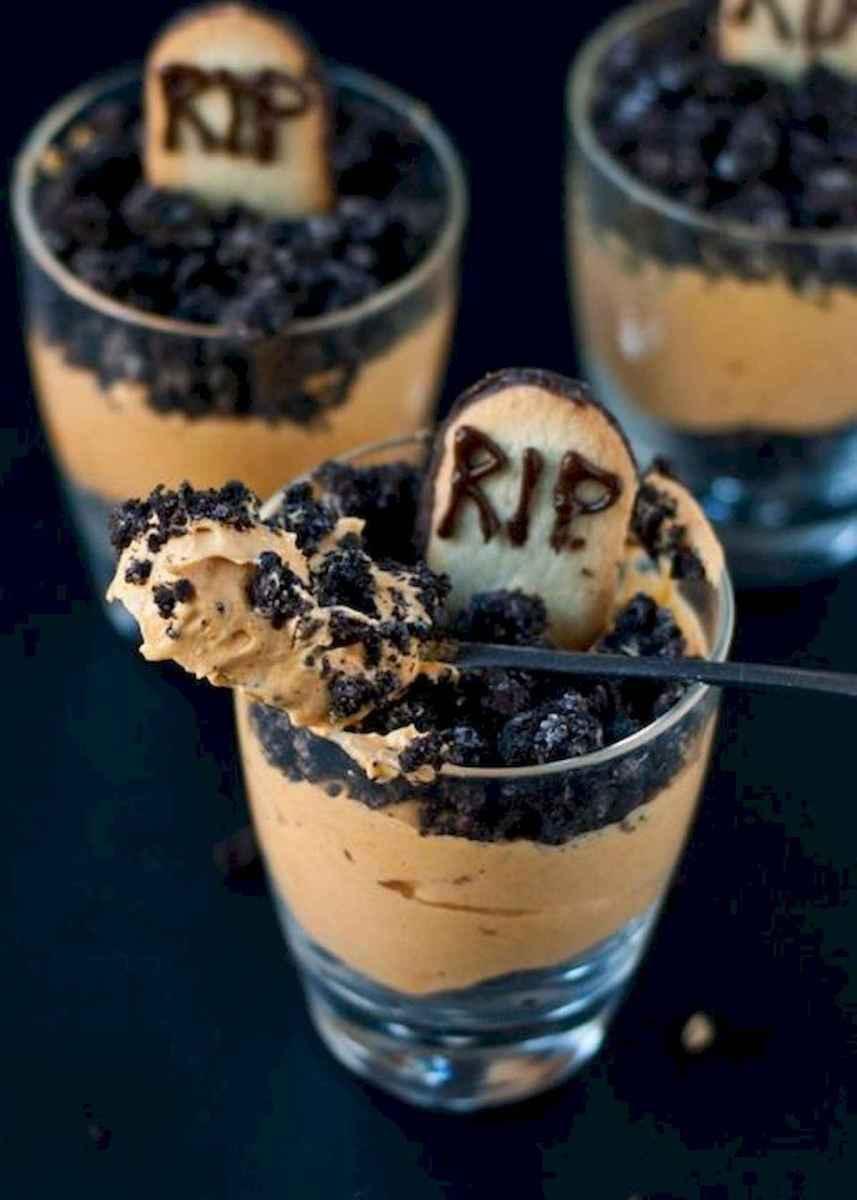 90 Fantastic Halloween Party Decor Ideas (37)