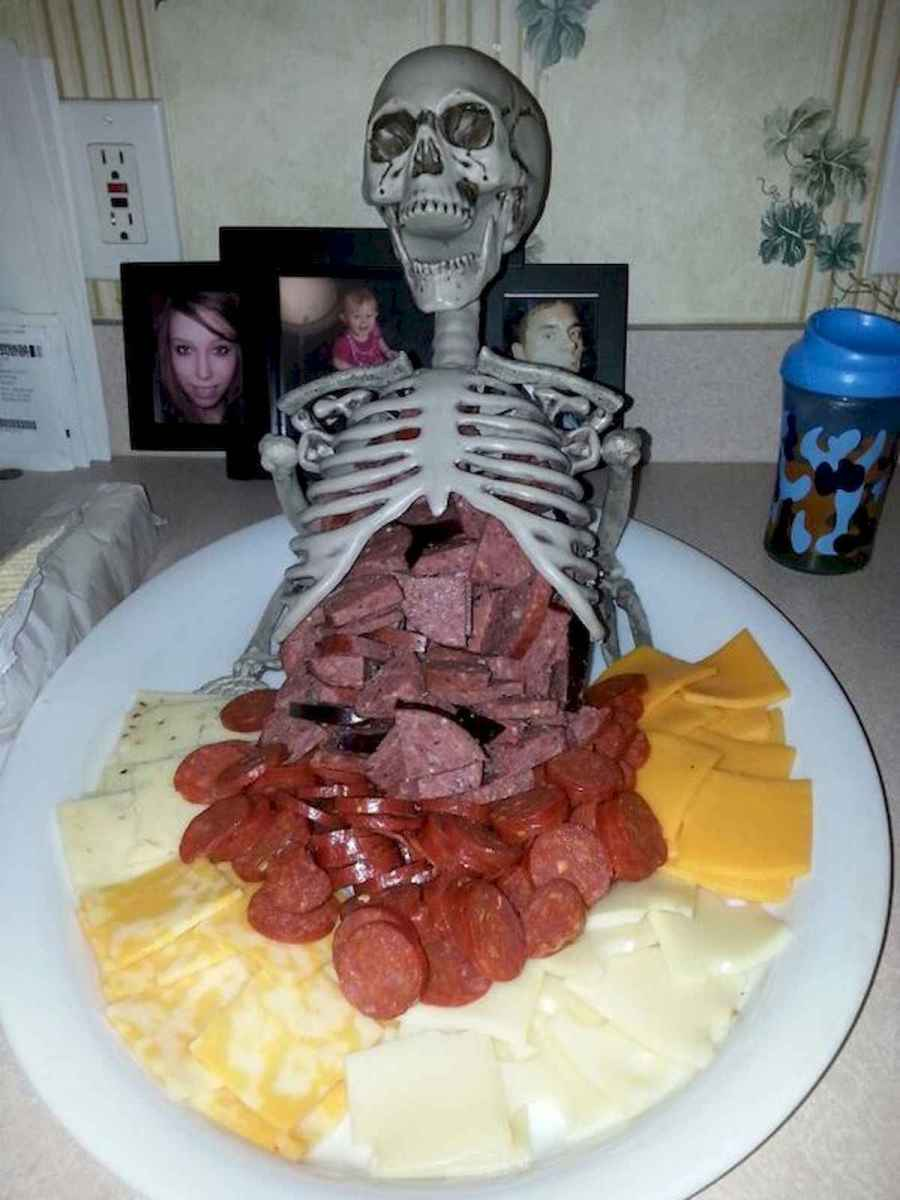 90 Fantastic Halloween Party Decor Ideas (58)
