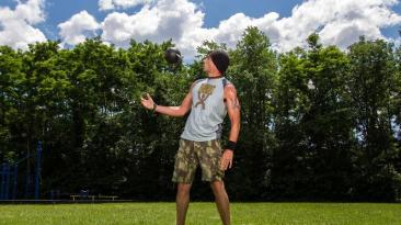 coach helder kettlebell juggling