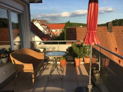 Das Gästezimmer hat einen direkten Zugang zum Balkon