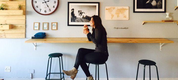 cropped-lady-drinking-coffee-urban-feel-4.jpg