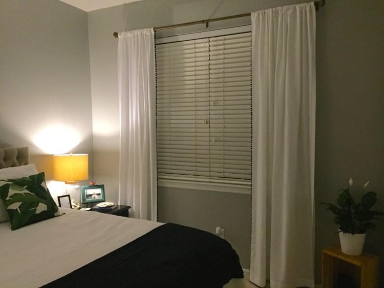 pom curtain 20