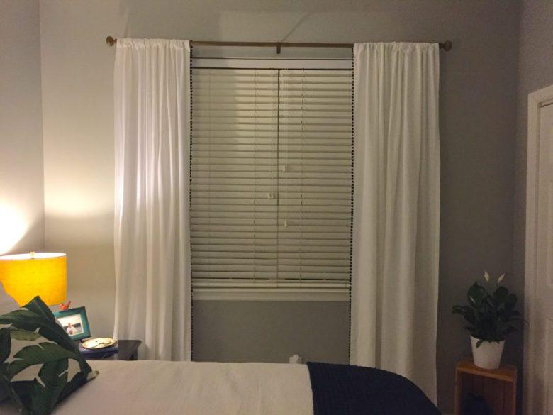 pom curtain 21