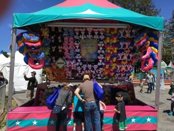Games at the San Mateo County Fair. Dan Page/CoastsideSlacking
