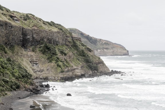 cobaltstate_muriwai_beach_cliff