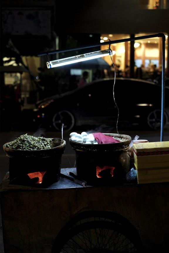 cobalt_state_cambodia_phnom_phen_night_market_food