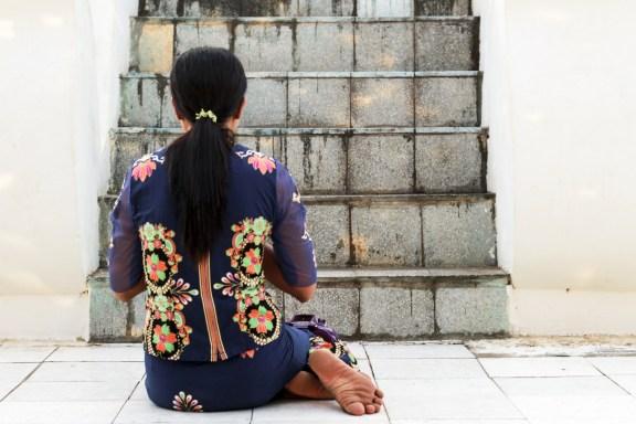 cobalt_state_myanmar_bagan_woman_pray