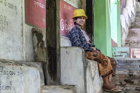 cobalt_state_myanmar_mandalay_02_woman_stairs