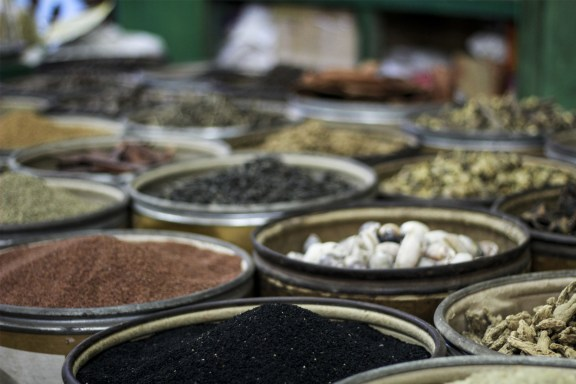 cobalt_state_myanmar_mandalay_04_market_epices