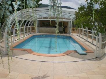 Cúpula de piscina con máxima abertura