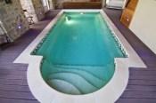 Cubierta invisible en piscina interior