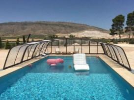 aluminio curvado en piscina