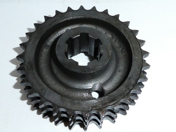 <strong><em>70-6890.  Engine Sprocket T150. T150V. R3.  28T $100</em></strong>