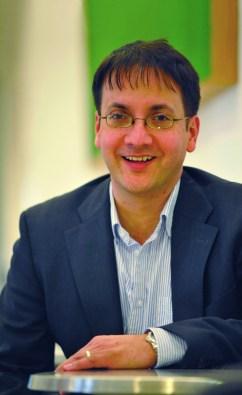 Professor Kim Hoque, Warwick Business School
