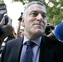 Miércoles 16: El ex tesorero del PP, Luis Bárcenas, ocultaba 22 millones en Suiza (A. Di Lolli)