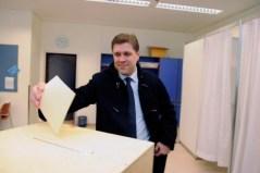 28. Islandia vota a quien le llevó al colapso (Reuters)