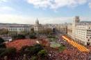 12. 30.000 personas se manifiestan en BCN por la unidad de España (Efe)