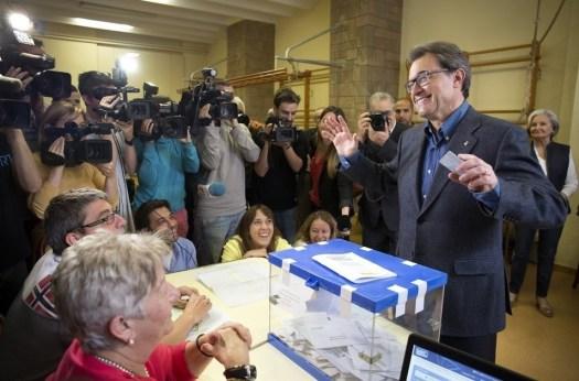 25. Domingo electoral en clave europea, española y catalana (Ana Jiménez)