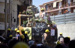 31. Los vecinos reconstruyen Can Vies (Enric Català)