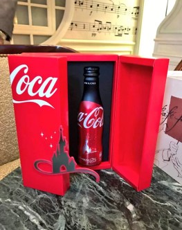 Coffret Collector Coca-Cola x Disneyland Paris (25 ans)Collector Coca-Cola x Disneyland Paris (25 ans)