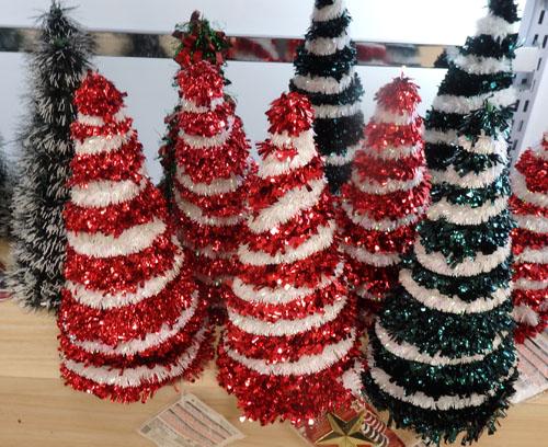 ダイソー クリスマスツリー ミニ