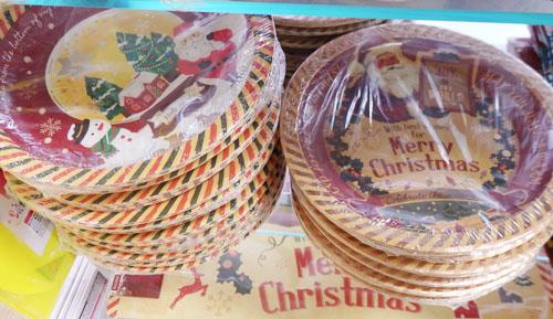 ダイソー クリスマス 紙皿