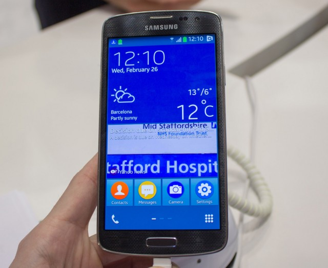 Photo of Hands-on: Smartphone Samsung com Tizen OS