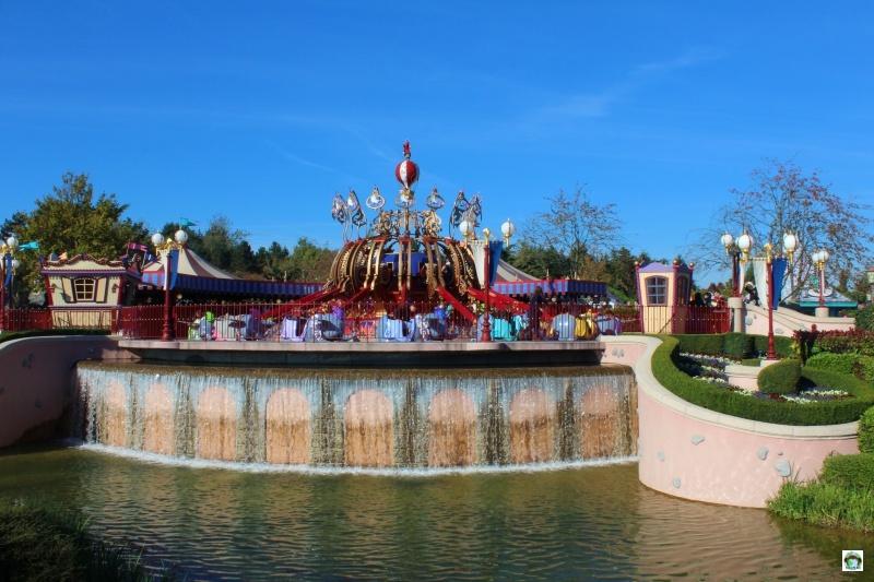 Quali attrazioni dentro Disneyland paris