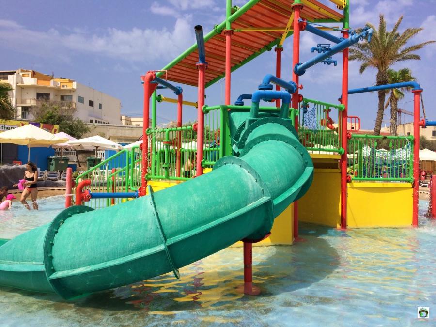 Parco acquatico a Malta piscine per bambini