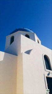 Vacanza a Santorini con i tetti blu - Cocco on the road