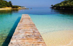 mare spiaggia molo Albania