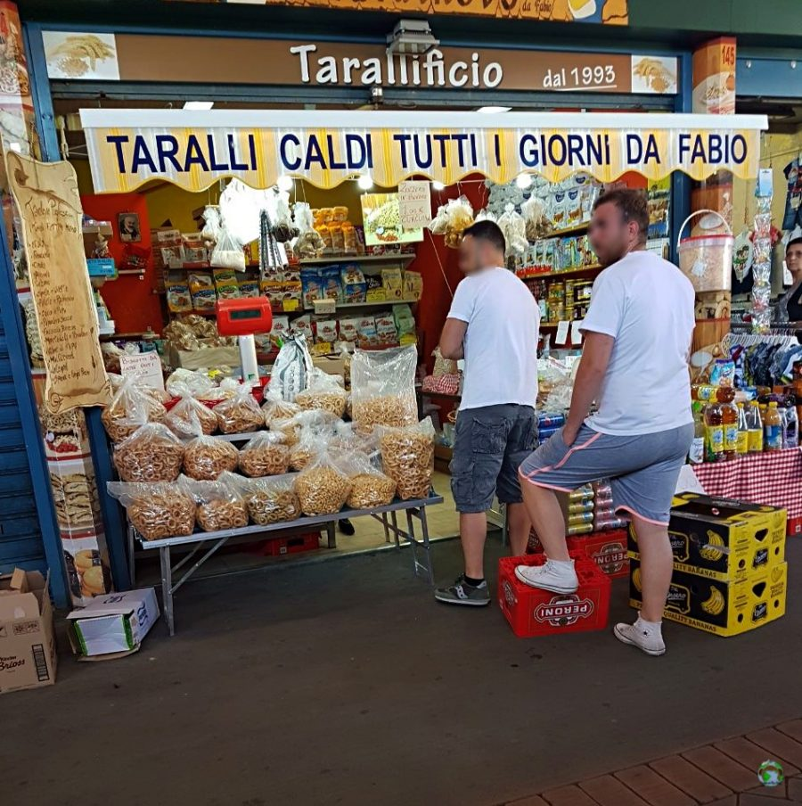 Mercato a Bari - Cocco on the road