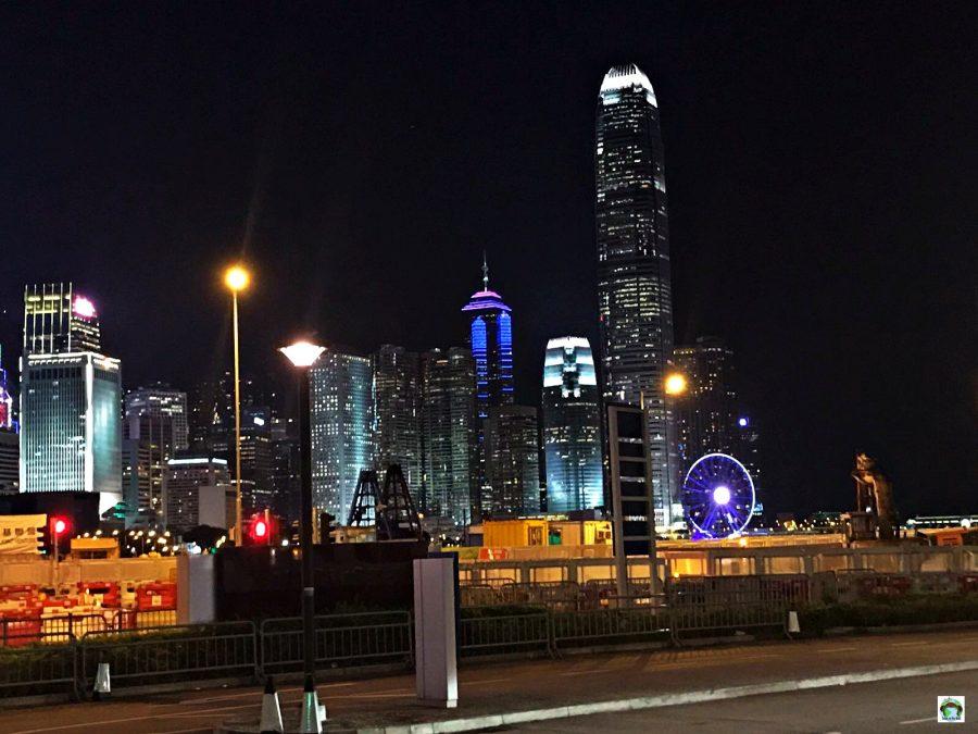 Hong Kong di notte