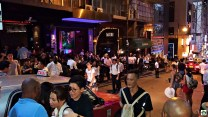 Lan Kwai Fong Hong Kong - Cocco on the road