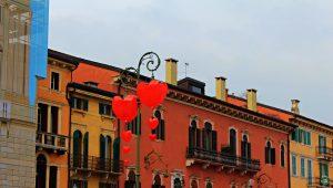 Piazza Bra Verona in love - Cocco on the road