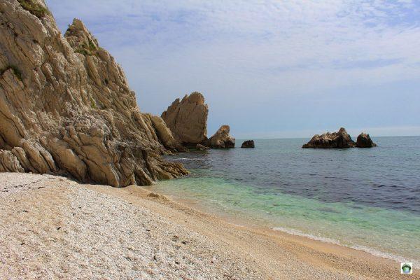 Spiaggia delle Due Sorelle Riviera del Conero