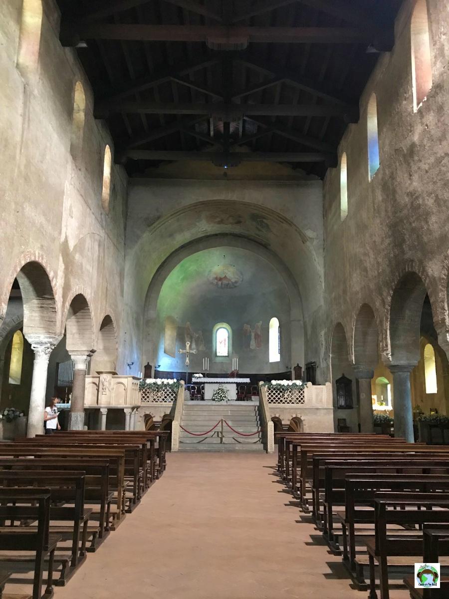 Navata centrale della Chiesa di Agliate