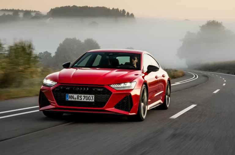 Audi R7 Sportback rojo en pista