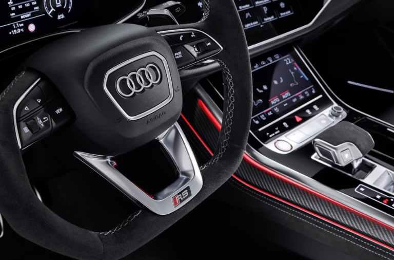 volante del Audi RS Q8