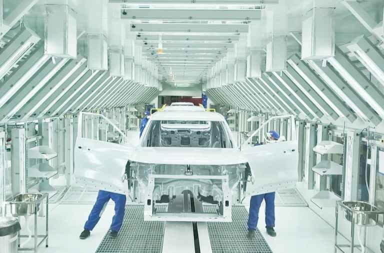 Kia inaugura su nueva fábrica en la India