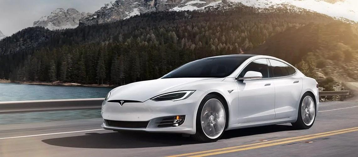 Alemania obliga a devolver las ayudas para comprar Tesla model S