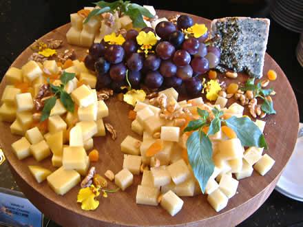 tabla-de-quesos-y-uvas